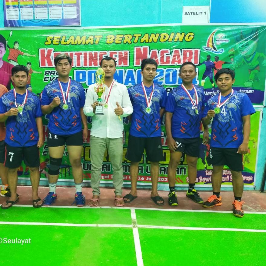 Menjadi Runner Up, Badminton Seulayat Ulakan Kantongi Piala Pertamanya
